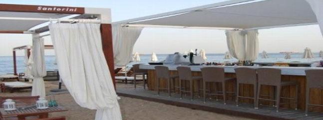 Galu - Trendy Beach Style Restaurant & Cocktail Bar