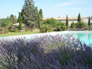 Mas d' Esquirolly, charme provençal, calme