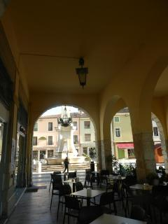 Sotto i portici (Lonigo). The typical porch, all around the town centre