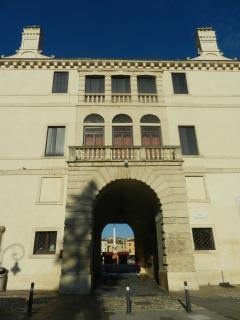 Palazzo Pisani, sec. XIV (Lonigo)