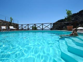 Villa Knight - Panoramic Postion & Large Pool, Amalfi