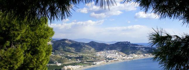 The beautiful La Herradura Bay