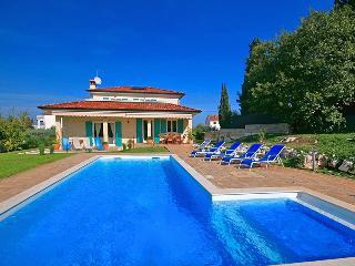 Villa Lara Rovinj with heated pool