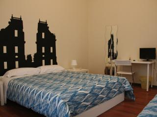 Castelnuovo Rooms Palermo Double/Triple Room