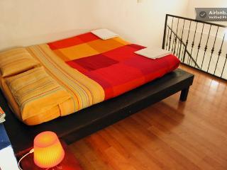cama en la habitacion  principal