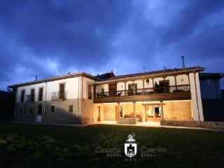 Hotel Casona Cuervo, San Tirso De Candamo