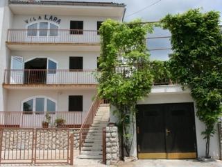 Vila Lara 4, Dramalj