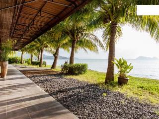 * Modern beachfront villa - sunset view *, Ko Phangan