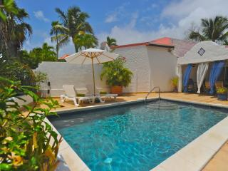 Orient Bay cute villa away from prying eyes