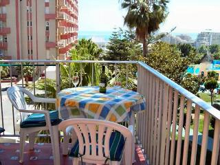 Sunny one bedroom apartment near beach