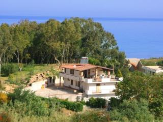 VILLA 150 Mt. FROM THE BEACH, Balestrate