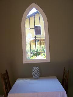 Breakfast room, vista sul giardino