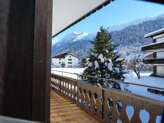 Hus Radaz, Klosters Platz