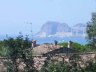 Villa des pins, 800m de la mer, La Ciotat