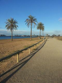paseo a lo largo de toda la playa