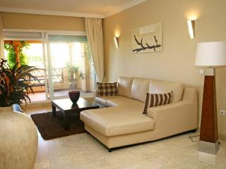 2 bed apartment, Elviria 503