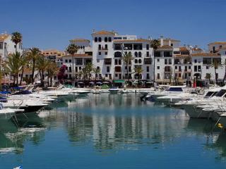 Everything you need at the marina, huge choice of bars and restaurants in a few minutes walk