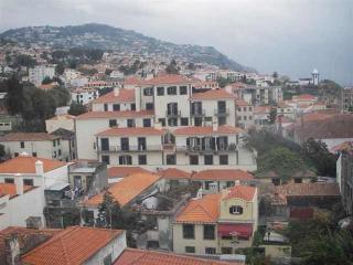 Bela Santiago 1.11, Funchal
