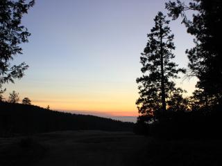 Cozy Creekside Retreat