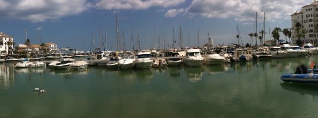 La Duquesa port is nearby