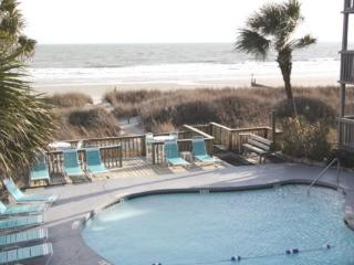 Awesome 2Br/2Bath Condo Overlooking Pool, Sand Dunes, Beach and Ocean !, North Myrtle Beach