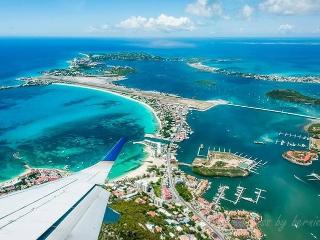 Amazing Runway Villas on the lagoon, Sint Maarten