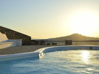 Medluxe Villa 5 Bedrooms, Ornos