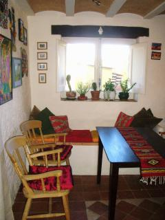 Breakfast room & living area for Studio Suite