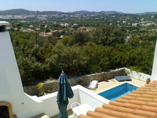 View NE over BBQ area and pool towards Sao Bras de Alportel