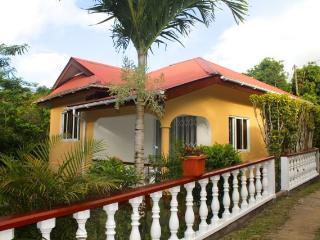 Tropical Garden Self Catering, La Misere