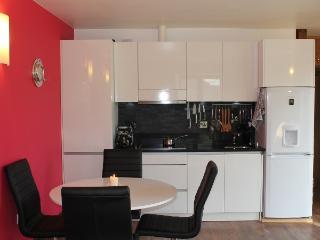 Contemporary gloss white kitchen