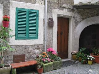 Casa Vacanze Rione Corsica nel borgo di Caprarola