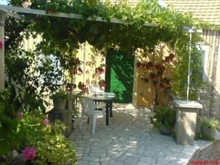 Dalmatian style stone house * * *, Lumbarda