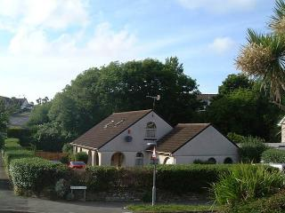 SWALLOWTAILS DETACHED 4 BEDROOM IN LOVELY GROUNDS NEAR NEWQUAY ZOO AND BEACHES