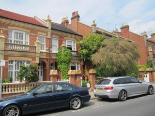Barnes Lion House