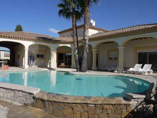 Villa holidays Southern France, Lignan-sur-Orb