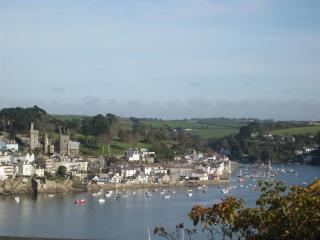 Rosemary Cottage a cosy cottage with sea views and Fowey river views