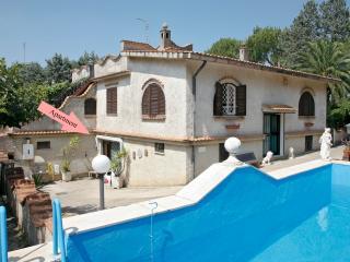 Villa Ilaria w/ SwimPool 8 Pax, Rome