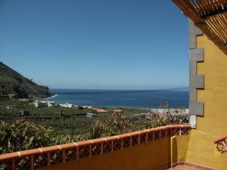 """Casa Rural Ondina """"B"""" ( Playa de Hermigua)"""