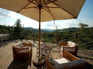 Secluded house with private pool 70 kms from Rome, Poggio Mirteto