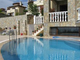 Villa Cést La Vie with private pool, Sogucak