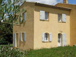 Provençal country house 5 minutes from Aix en Prov