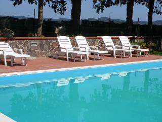 CASALE ACQUAVIVA  villa singola o appartamenti, Campiglia Marittima