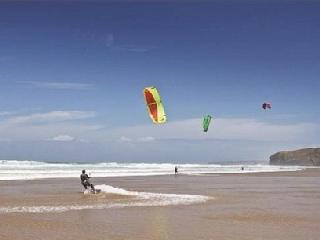 Atlantic Gold Lodge. Adventure and action on Fistral Beach
