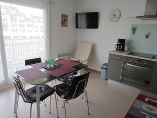 Brand new sea view apartment, Camiers