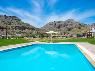 Kolymbia residence house only 300m from the Sea