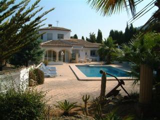 Luxury 7 Bed Villa and Pool