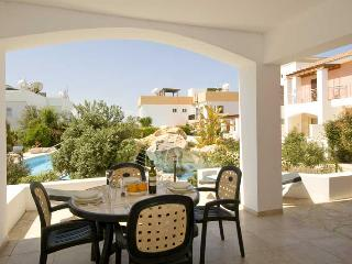 2 Bed, 2 Bath Sun Terrace Apt with Pool Access, Paphos