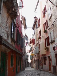Zdenac Street