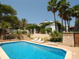 Fantastic house with pool in Finca style, Sant Carles de Peralta